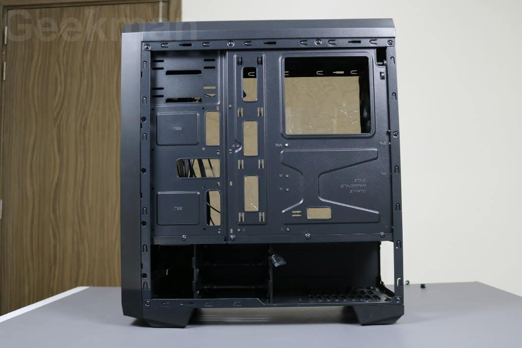 Antec NX200 right side